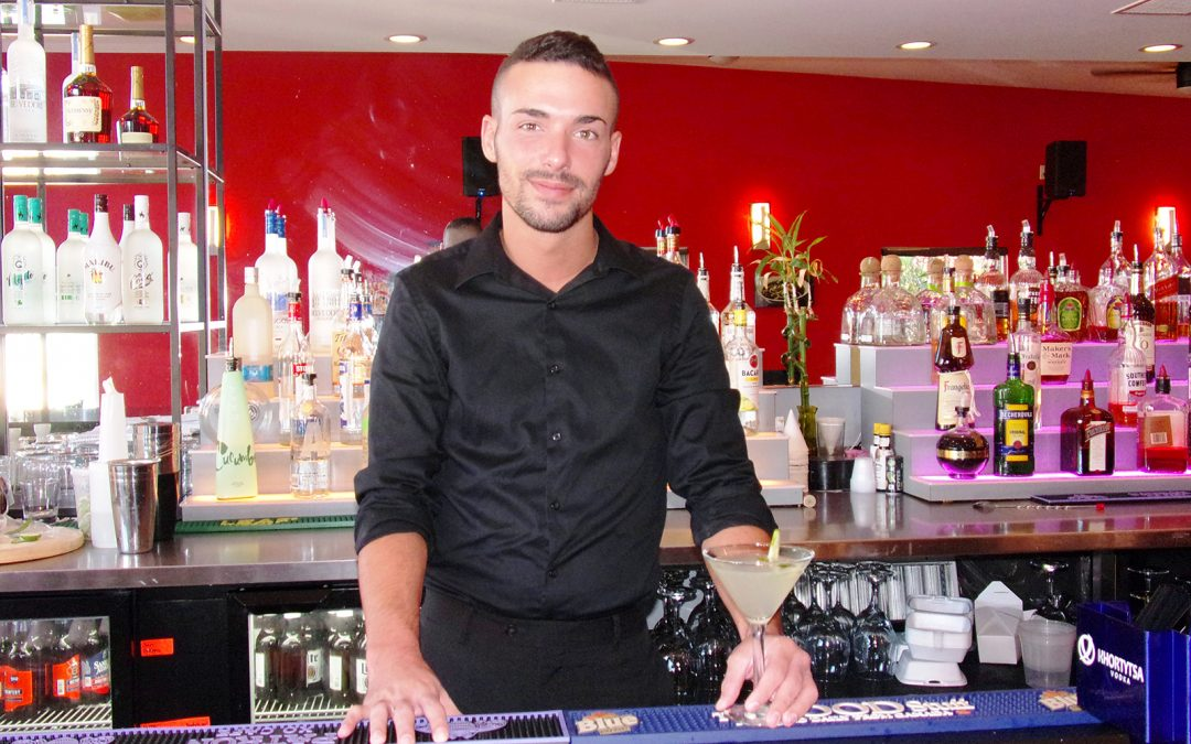 MY TOWN's Bartender of the Month , Trevor Bowling